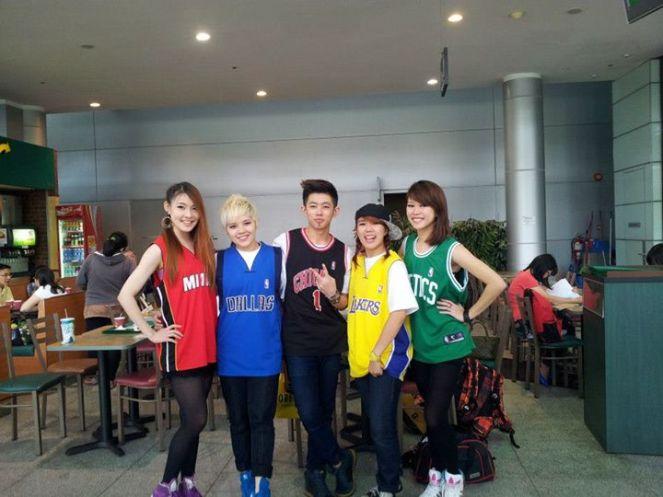 ODD5 dancers
