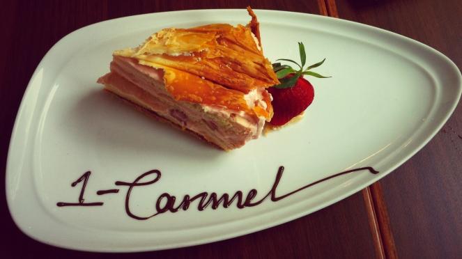 1-Caramel Viktoria Jean Cafe Cake