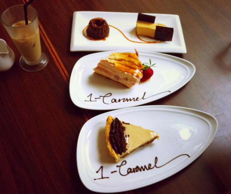 1-Caramel Viktoria Jean Cafe
