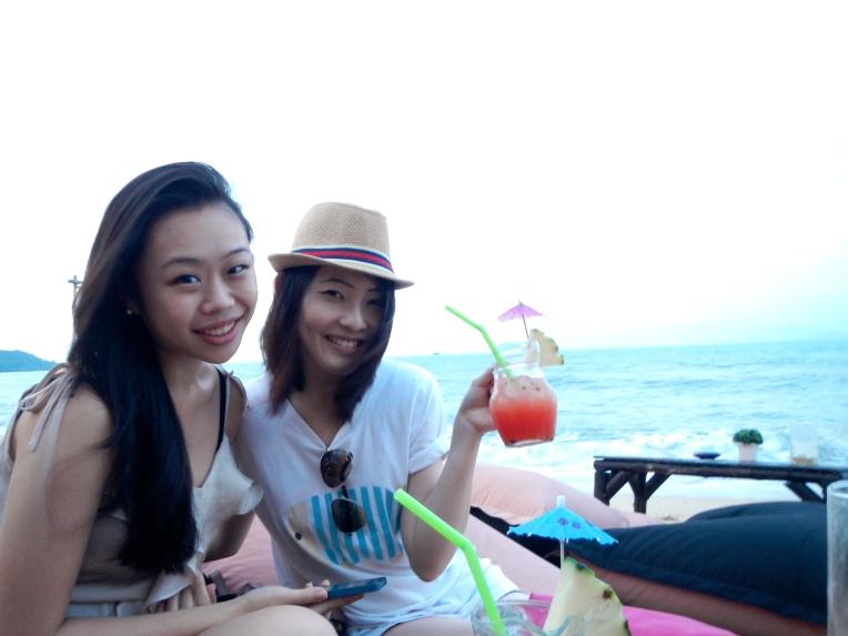 Girls CoCo Tam's Bar Samui