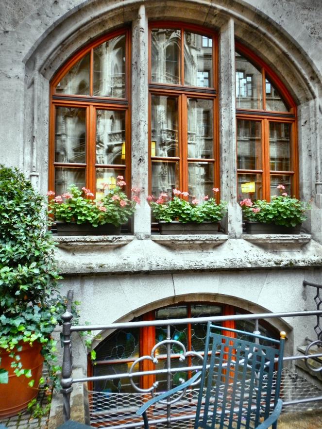 Inside Rathaus Glockenspiel 11