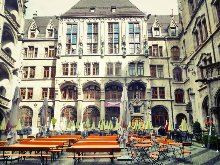 Inside Rathaus Glockenspiel 13