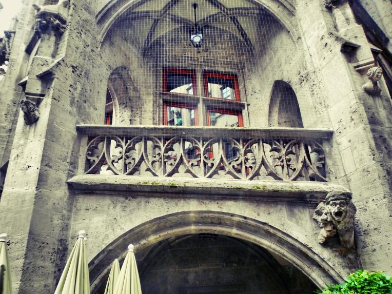 Inside Rathaus Glockenspiel 7
