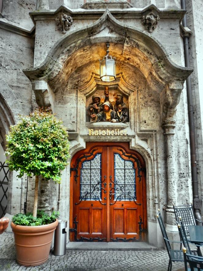 Inside Rathaus Glockenspiel 9