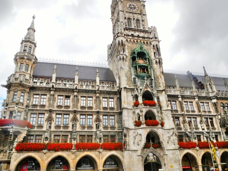 Rathaus Glockenspiel Munich 3