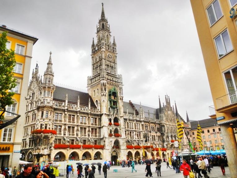 Rathaus Glockenspiel Munich 4