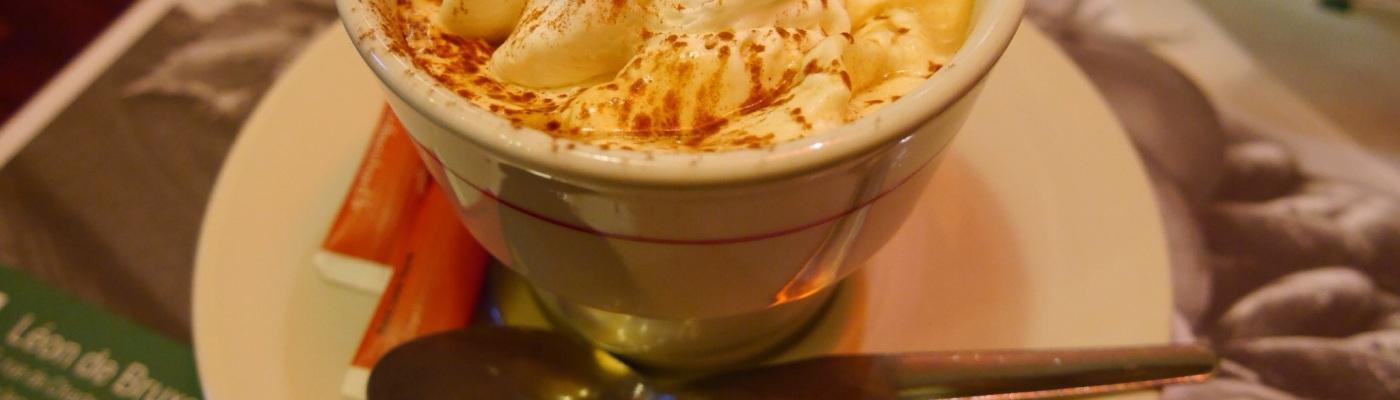 Viktoria Jean in Paris - coffee