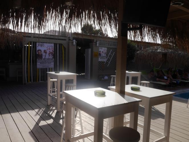 JOJO beach bar