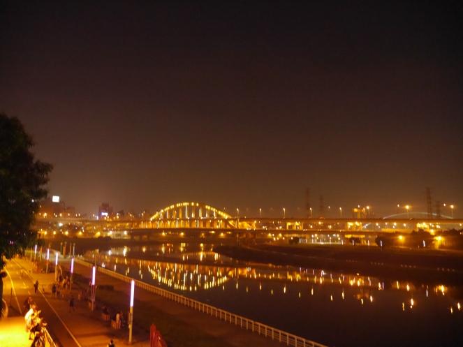 Taiwan Rainbow Bridge Keelung River 3