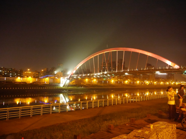 Taiwan Rainbow Bridge Keelung River 4