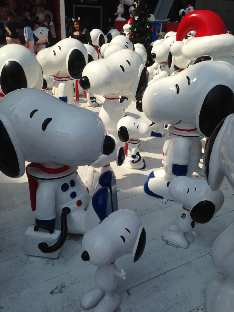 Central World Snoopy